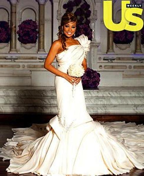 A Closer Look At Monicas Wedding Dress Group Shot Of