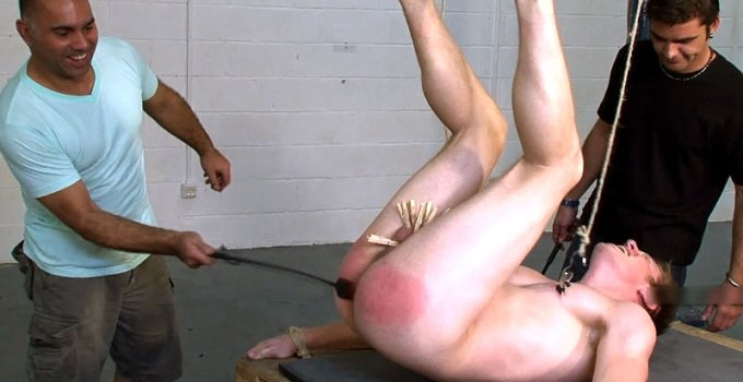 #Classic: Pathetic Mo Weeps During Tickle Torture and Bastinado