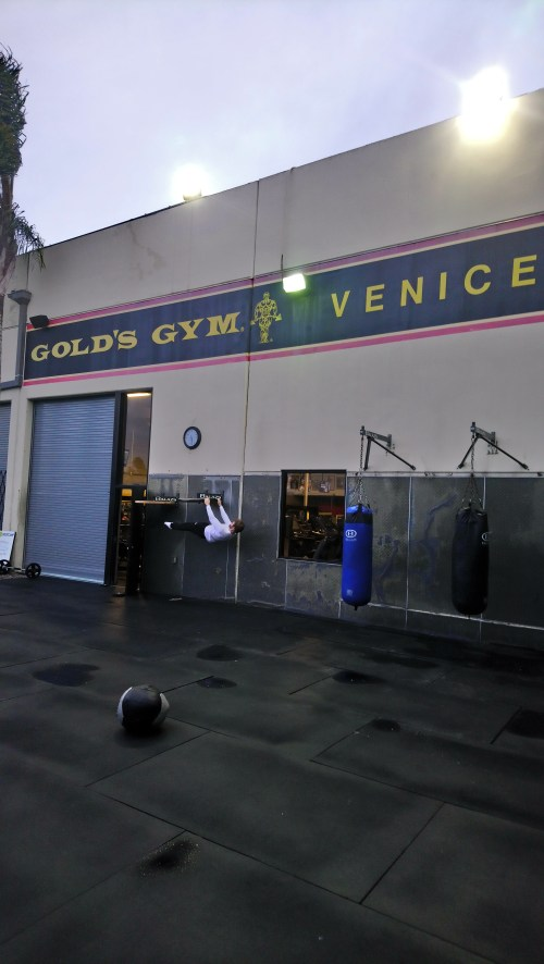 Front lever Gold's Gym CALI