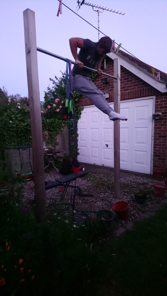 Muscle down for front lever