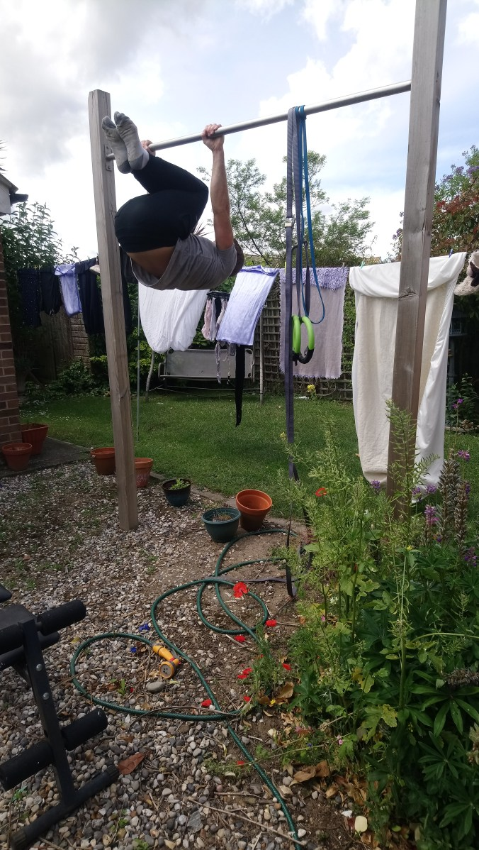 Tucked front lever