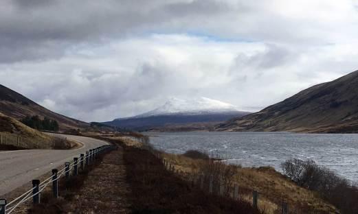 Vorbei am Loch Chroisg