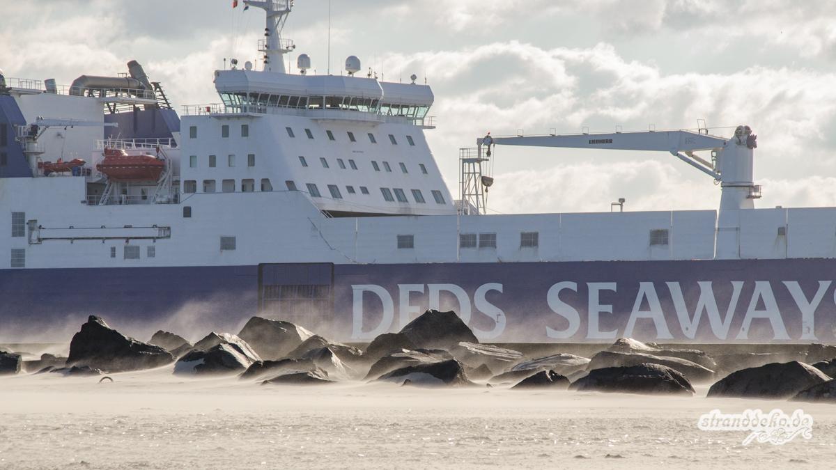 180204 Maassluis HoekvanHolland 049 - Maasluis und Hoek van Holland - 3 Stellplätze zum Schiffe gucken