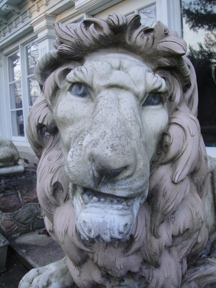 Closeup of lion at Farnam Manor