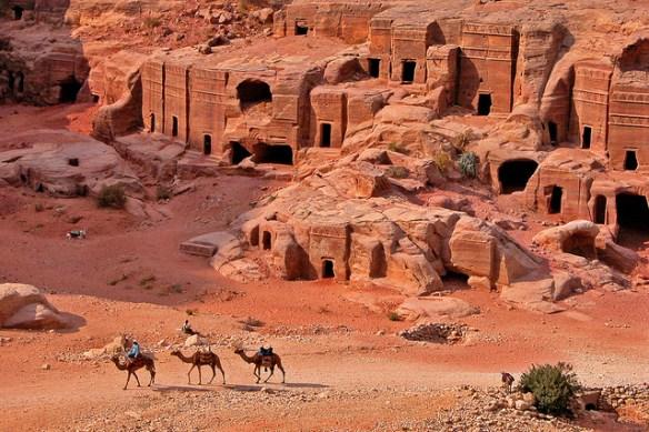 Ταφικά μνημεία στην Πέτρα της Ιορδανίας