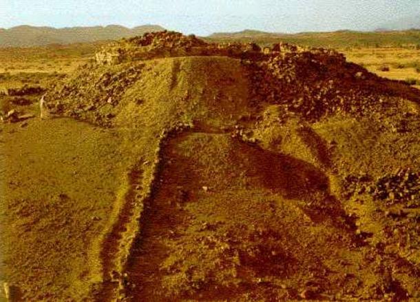 Ο εικαζόμενος τάφος της Τιν Χινάν