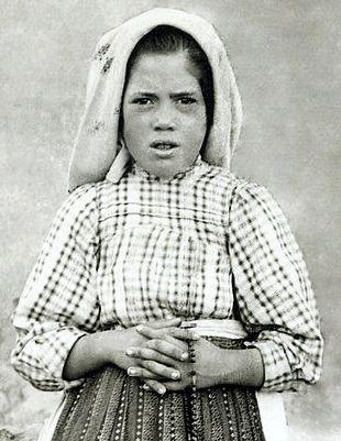 Lucia Santos (28/03/1907 - 13/02/1905)