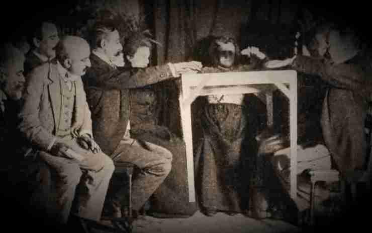 Τα πνευματιστικά πειράματα, που έλαβαν χώρα το 1896 στο Auteuil της Γαλλίας…