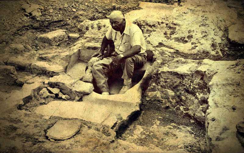 Ανακάλυψη μυστηριώδους αρχαίου σπηλαίου στον Ισθμό της Κορίνθου, το 1958...