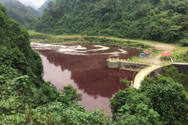 blood red river guatemala, guatemala red river, river guatemal turns blood red, river guatemala red, water red guatemala, water turns red guatemala pictures, water turns red guatemala video