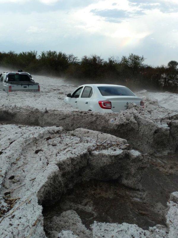 Biblical hailstorm covers Cordoba, Argentina in 1.5 m (4.9 ...