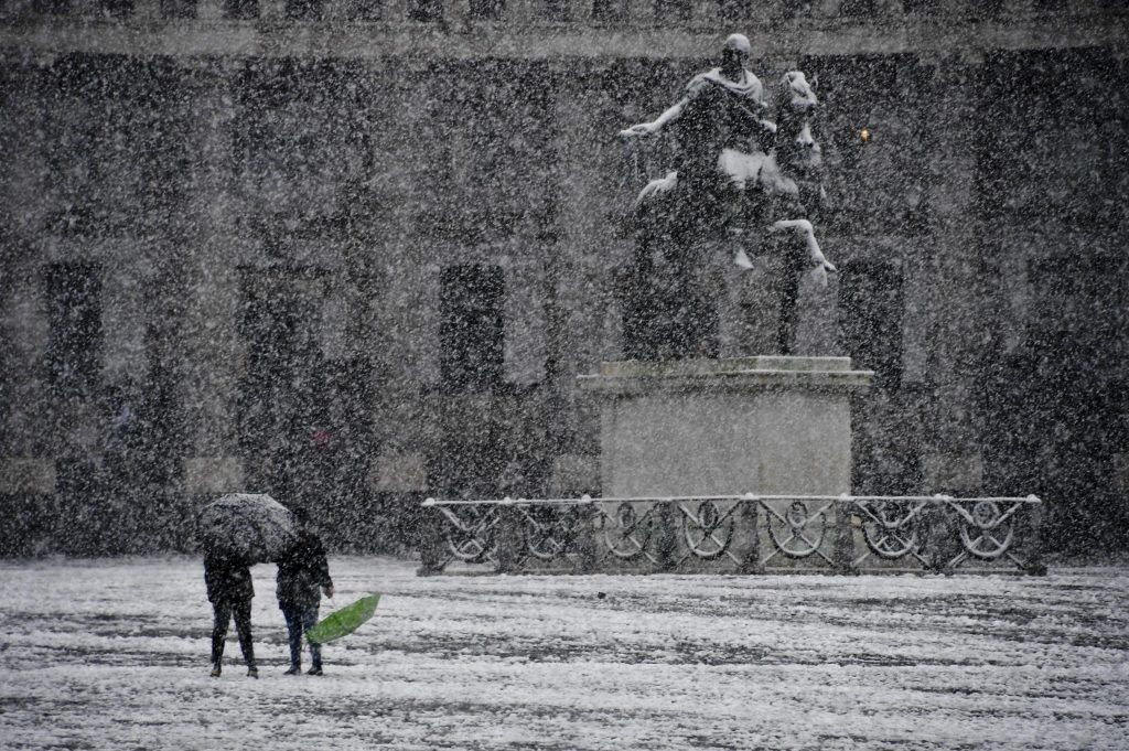 First snow in Naples, Italy since 1956, naples snow february 2018, naples snow february 2018 pictures