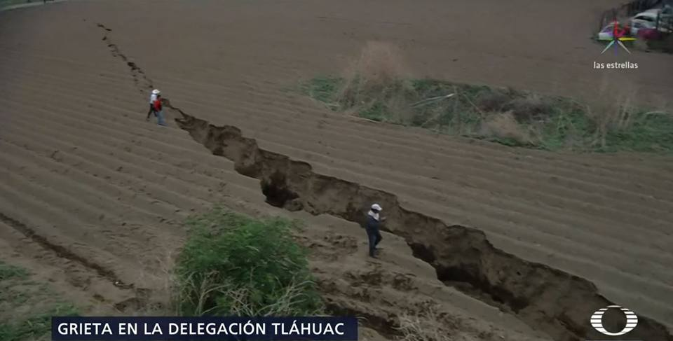 giant crack mexico tlahuac, giant crack Tlahuac and Milpa Alta, new giant crack mexico, Tláhuac and Milpa Alta crack and sinkhole may 2018