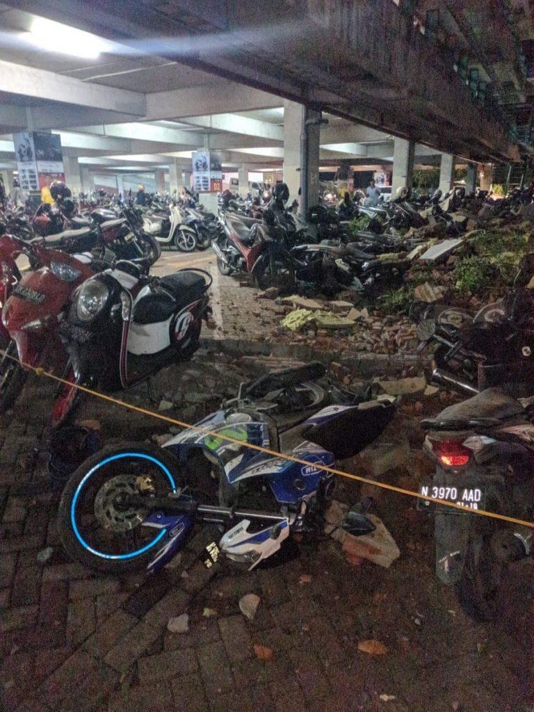 M6.9 earthquake lombok august 5 2018, M6.9 earthquake indonesia august 5 2018, M6.9 earthquake indonesia, M6.9 earthquake indonesia lombok august 5 2018 photo, M6.9 earthquake indonesia lombok august 5 2018 video