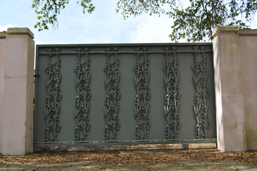 Cornstalk fence piece on driveway in the Garden District of New Orleans