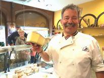 food-tours-strasbourg-cheeseshop