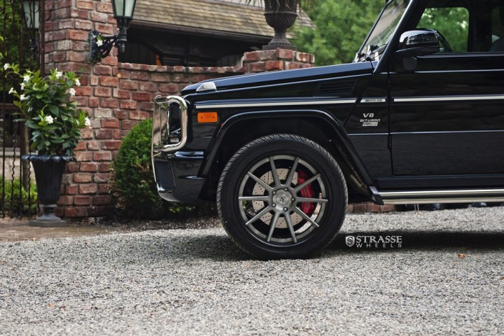 Strasse-Wheels-Mercedes-Benz-G63-AMG-22-R10-Deep-Concave-Wheels-3