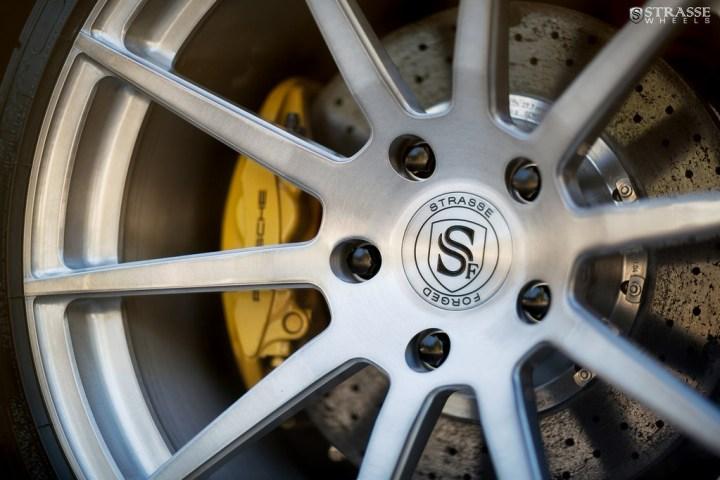 Strasse-Wheels-Porsche-997-GT3-20-R10-Deep-Concave-Monoblock-9