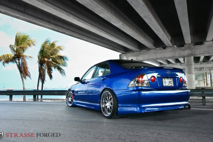 lexus_is300_12