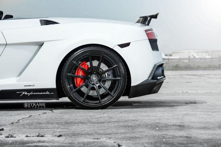 Strasse Wheels Lamborghini Performante 11