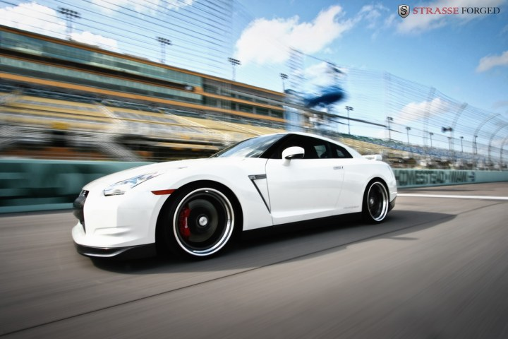 STRASSE FORGED WHITE GTR 2