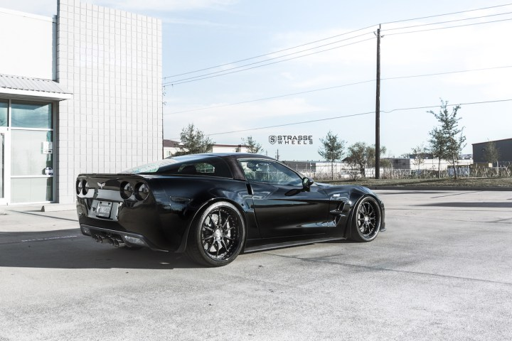 Chevrolet Corvette C6 ZR1 - 19:20 R10 Signature - Carbon - Black 9