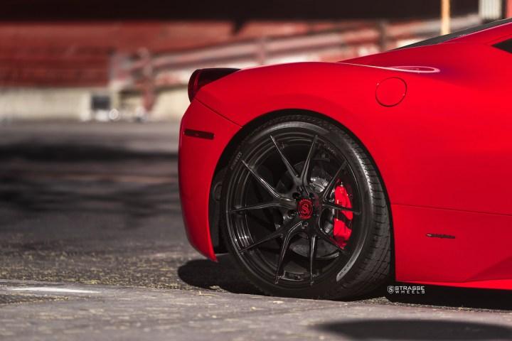 Ferrari 458 Italia - 20:21 SM5R Deep Concave Monoblock - Gloss Black - Vivid Racing 10