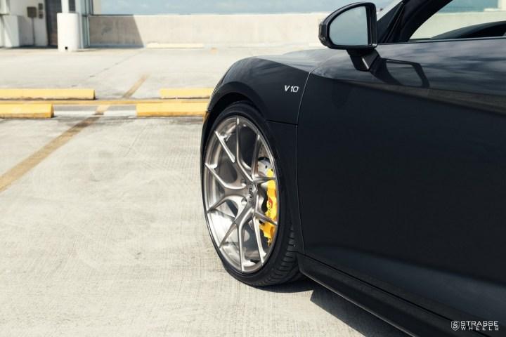 Audi R8 V10 Spyder - 20:21 SM5R Deep Concave Monoblock 9