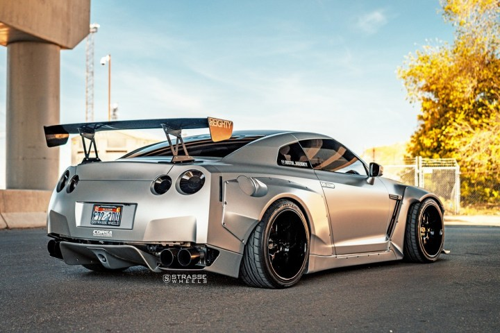 Rocket Bunny Nissan GT-R - SV8 Signature Series 13