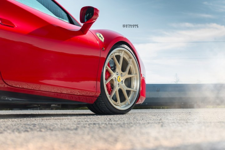 Ferrari-488-11