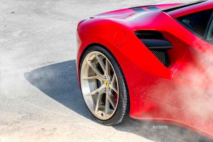 Ferrari-488-12