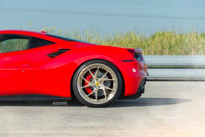 Ferrari-488-6