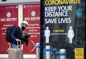 Les passeports de vaccination à l'essai au Royaume-Uni, tandis que les dirigeants de l'UE font pression pour des passepo…