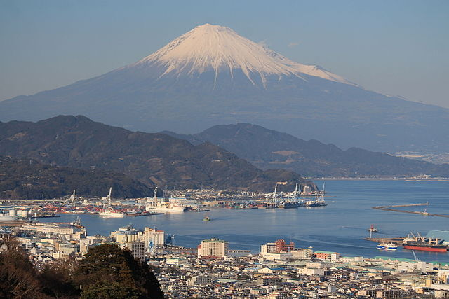Mount_Fuji_and_Port_of_Shimizu