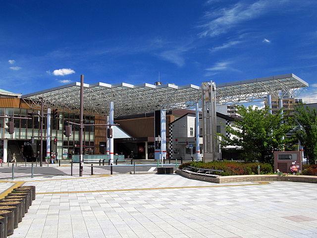 640px-Tobutojo_Line_Asaka_Station_South_Entrance_1