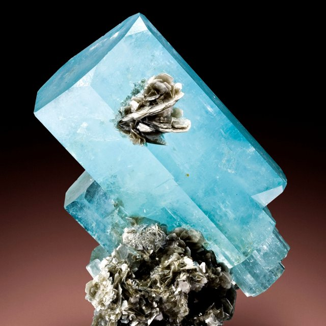 Birthstones and Their Meanings - March - Aquamarine