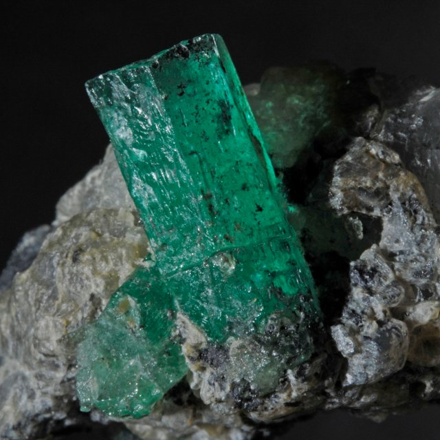 Birthstones and Their Meanings - May - Emerald