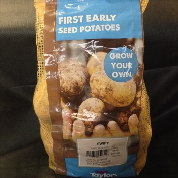 taylors-swift-first-early-seed-potatoes-available-from-strawberry-garden-centre-uttoxeter