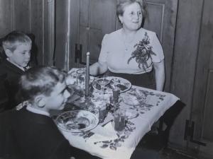 Margaret Strawbridge with Great-nephews Nick Litchfield and Welsh White