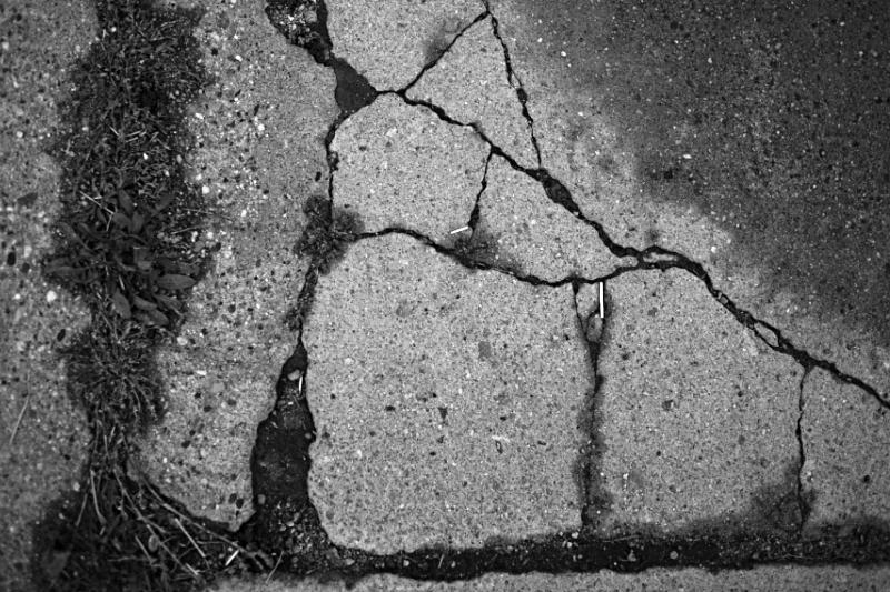 cracked 010