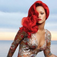 25 Great Photos of Rihanna's Red Hair