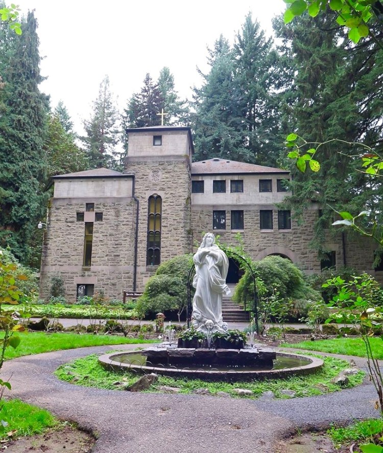 The Monastery is home to the Servite Friars and was built in 1936. It can accommodate up to twelve priests and brothers (no sista's allowed).