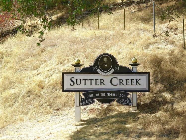 Sutter Creek became a destination for fortune hunters. A post office was established in 1852, and Sutter Creek became a town in 1855 and incorporated in 1913.