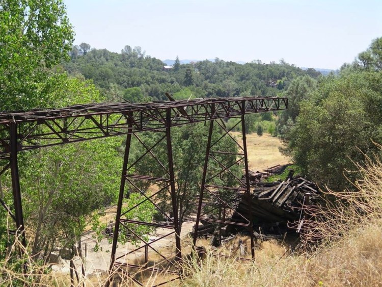 In 1928 a surface fire burned all the structures except two. All other buildings and foundations were built after 1928. The company operated the mine until 1942 when the U.S. Government closed gold mines because of the war effort.