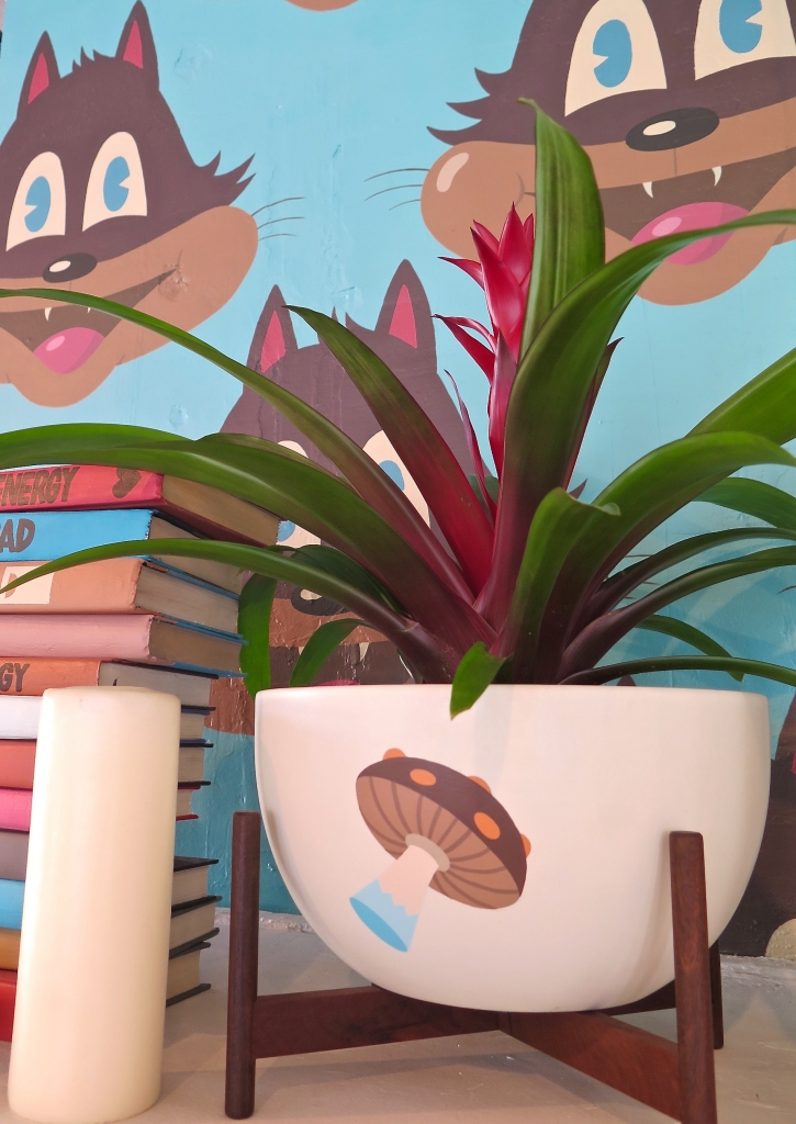 ...and graphic Case Study planters. MUSHROOM BOWLS ON WOOD STAND $395