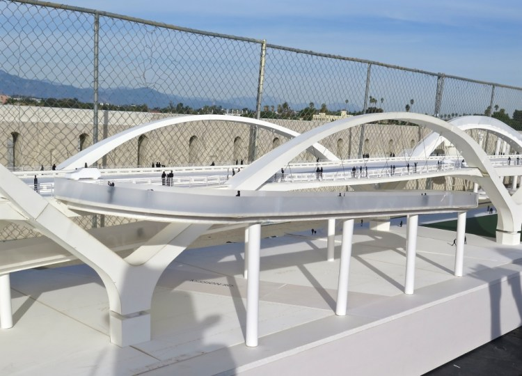 The design of the bridge was created by Los Angeles architect Michael Maltzan, winner of the City's international design contest in 2012
