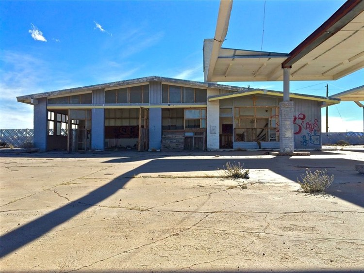 The newest abandoned building is this old Shell station located right off I-40.