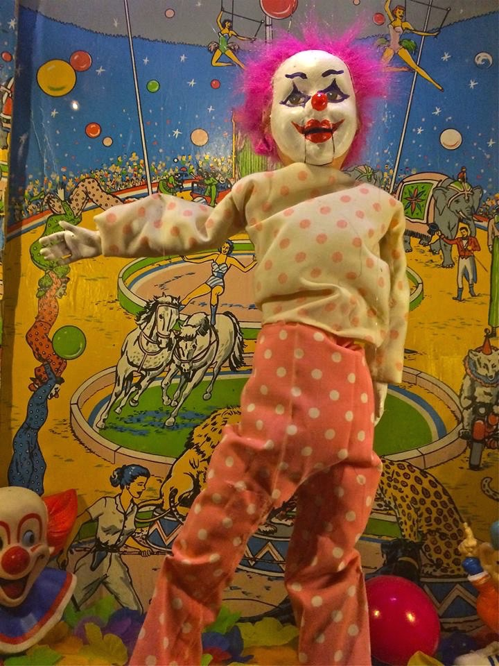 If Lucy was a pedophile clown.