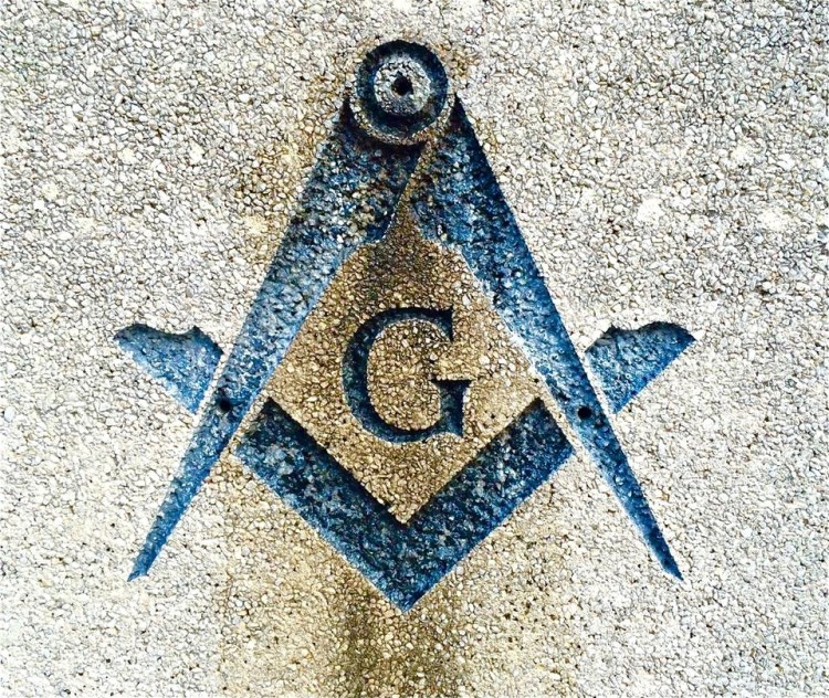 It ain't a cemetery without the Freemasons.