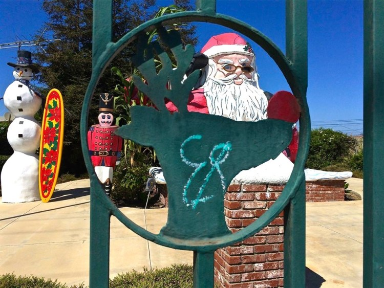 Although, Santa Claus now resides in Oxnard, CA, for 52 years he lived at Santa Claus Lane in Carpenteria along with his pal Frosty the Snowman and an entire Christmas themed street!